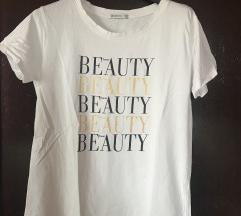 2 majice sa natpisom