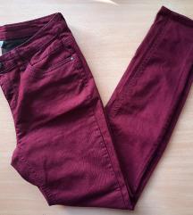 C&A tamno crvene hlače