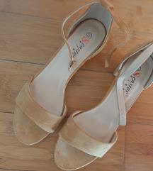 Nove sandale 38