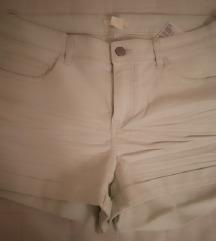 nove kratke hlače hm