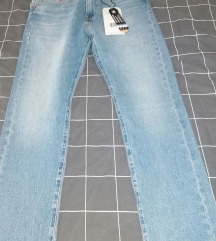 Levis jeans traperice 32/30