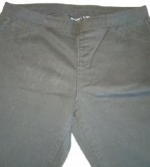 Crne uske/skinny hlače na gumu 36/38
