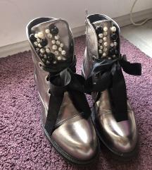 NOVE cizme Gracia