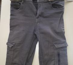 Sive hlače s džepovima + remen