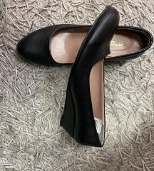 Nenošene cipele puna peta