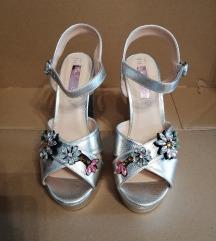 Srebrne sandale sa perlama
