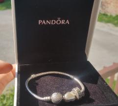 Pandora original narukica i dva privjeska