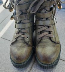 Maslinastozelene cizme, 37