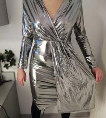 Srebrna uska haljina