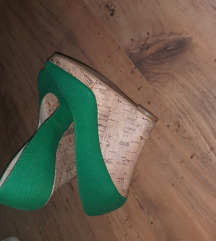 Zelene balerinke na punu petu