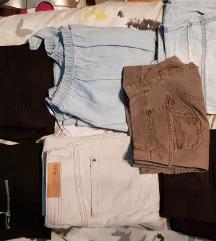 lot odjece ( traperice i majica) sada 200