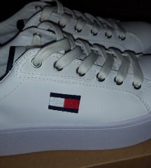 NOVE Tommy Hilfiger tenisice