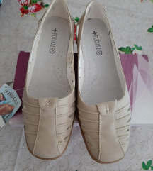 ženske cipele br.39