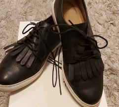 Kožne cipele sa resama