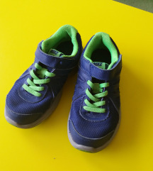 Nike tenisice br. 31