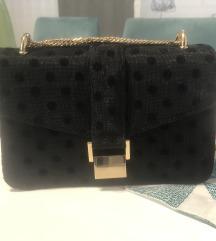 ZARA crna tockasta torbica