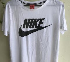 Nike Orginal ženska  sportska majica ko nova