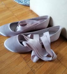Sve cipele 40 kn - velicina 40 :)