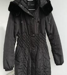 Mana crna jakna