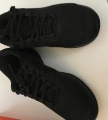 Original Nike tenisice  37,5