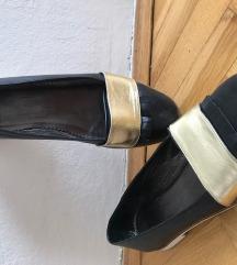 Prodajem ženske kožne cipele 43