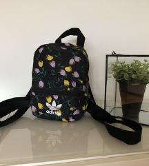 ADIDAS mini ruksak 🍁💐