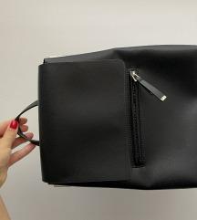 Zara crni ruksak
