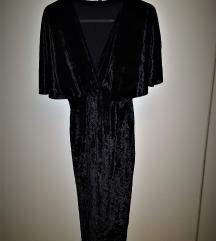 Nikad nošena crna haljina od baršuna