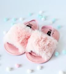 Furry sandalice