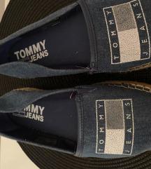 Tommy Hilfiger špagerice