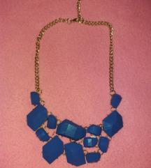 Statement ogrlica sa plavim kamenčićima