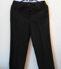 Nove crne prugaste hlače
