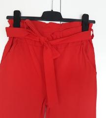 Odijelo crvene hlače na vezanje