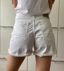 Pull&Bear bijele kratke hlače