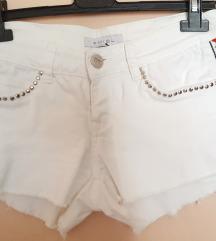 New Yorker bijele kratke hlače