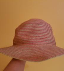 Benetton šešir