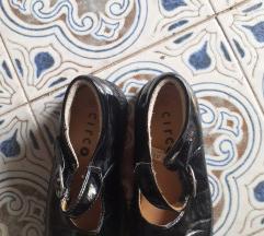 Lakirane cipelice za curku vel 27 i pol