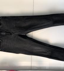 Zara tamne traperice