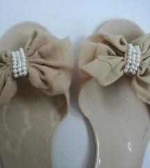 Gumene cipele 39