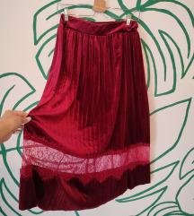 AKCIJA - Baršunasta plisirana suknja s čipkom