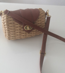 Prekrasna torbica Akcijja do 10.1 80kn