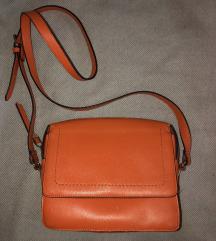 Narančasta Carpisa torbica