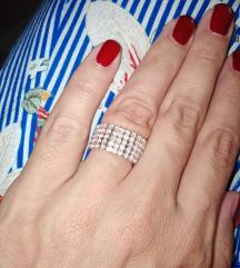 Srerni prsten od cirkona💍💍💍