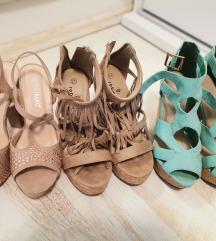 Lot sandala na petu
