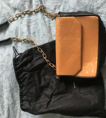 Kožna torbica s lancem