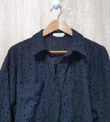 Reserved crna košulja s rupičastim vezom