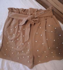 Nove hlačice S-M