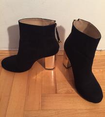 Nove lijepe Zara cipele sa zlatnom petom
