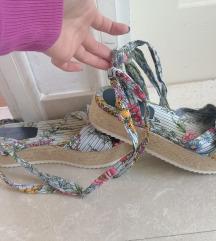 Zara sandale s plutom 39