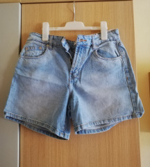 P&B kratke hlače